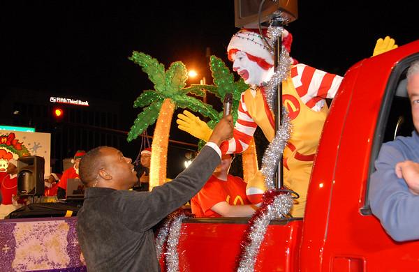 Santa Salutes The Stars Parade @ Downtown Orlando 12-14-08