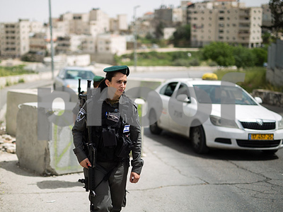 heavyhanded-symbol-of-occupation-or-brave-heroes-israeli-border-police-are-on-the-front-line