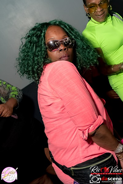 GAL FARM THURSDAYS PRESENTS IT'S GLOW NEON EDITION-141.jpg