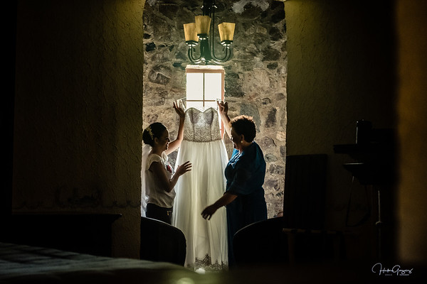 Ixchel & Fernado Bride getting ready