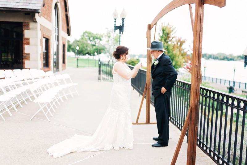 chateau-on-the-river-trenton-michigan-wedding-0097.jpg