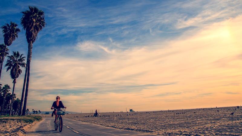 woman_bike_venice-.jpg