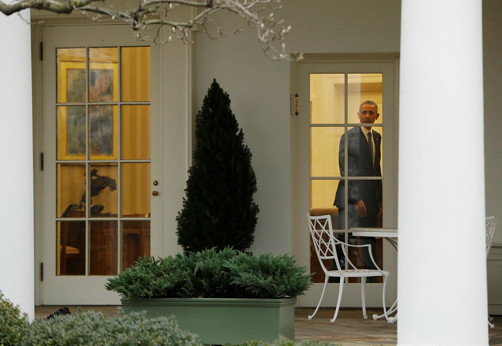 . President Barack Obama is seen the Oval Office of the White House in Washington, Friday, Jan. 20, 2017, before the start of presidential inaugural festivities for the incoming 45th President of the United States Donald Trump. (AP Photo/Evan Vucci)
