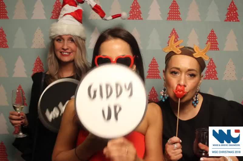 181117 WGE Christmas Party 0306.MP4