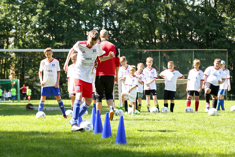 hsv_fussballschule-251_48047952306_o.jpg