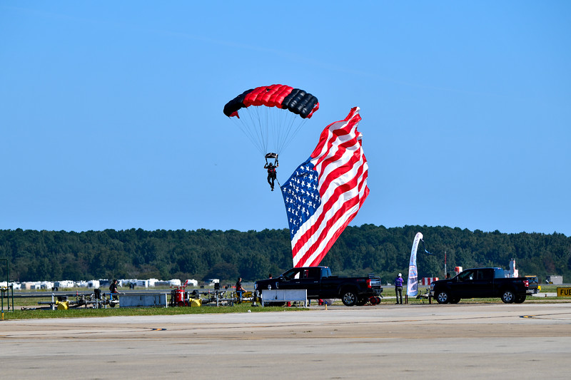 US Army Special Operations Command Parachute Team, the Black Daggers