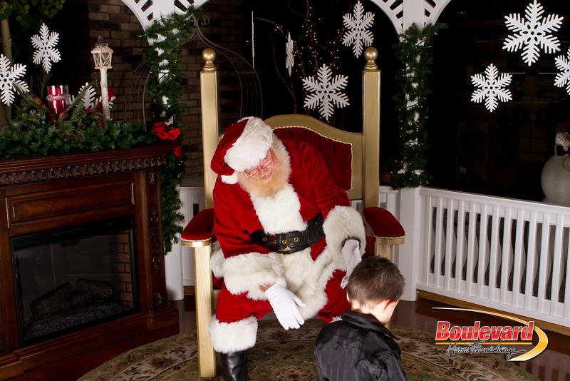 Santa Dec 15-161.jpg