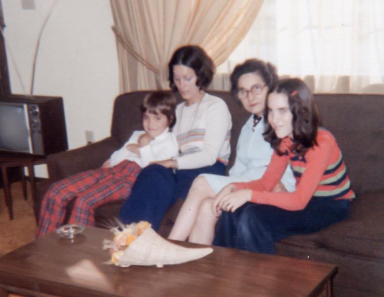 1974 tina edda omi michelle de pere wi webster st