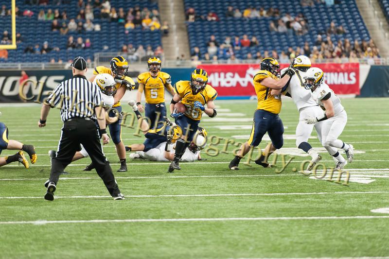 2014 Clarkston Varsity Football vs. Saline 647.jpg