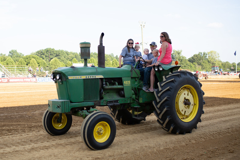 Antique Tractor Parade-86.jpg