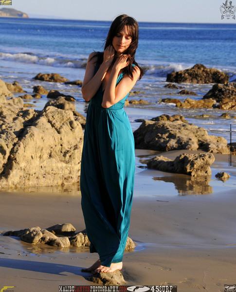 matador swimsuit malibu model 093..00....jpg