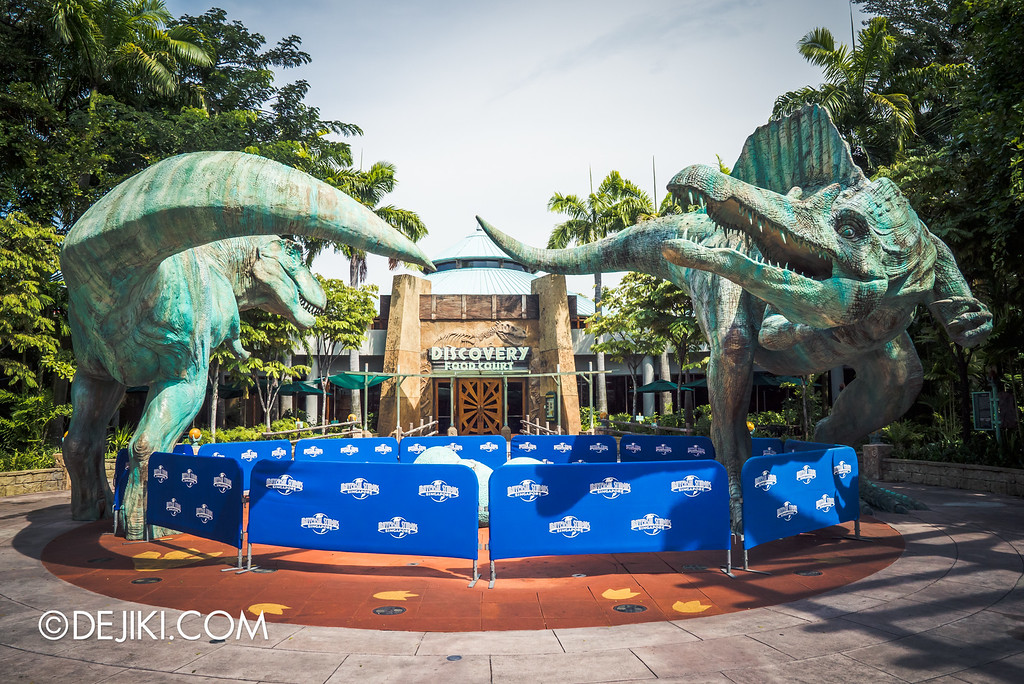 Universal Studios Singapore - Park Update September 2016 / Jurassic Park Egg Fountain under repair