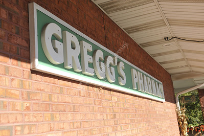 29099 Gregg's Pharmacy Exteriors