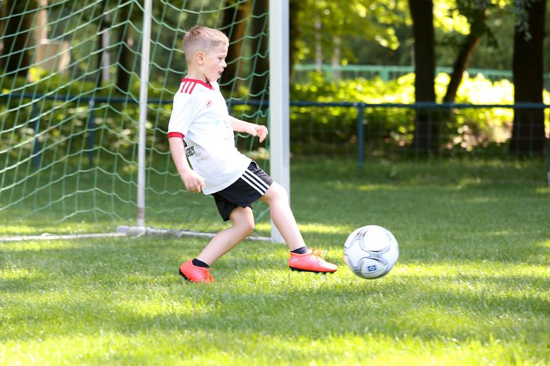 hsv_fussballschule-217_48047992783_o.jpg