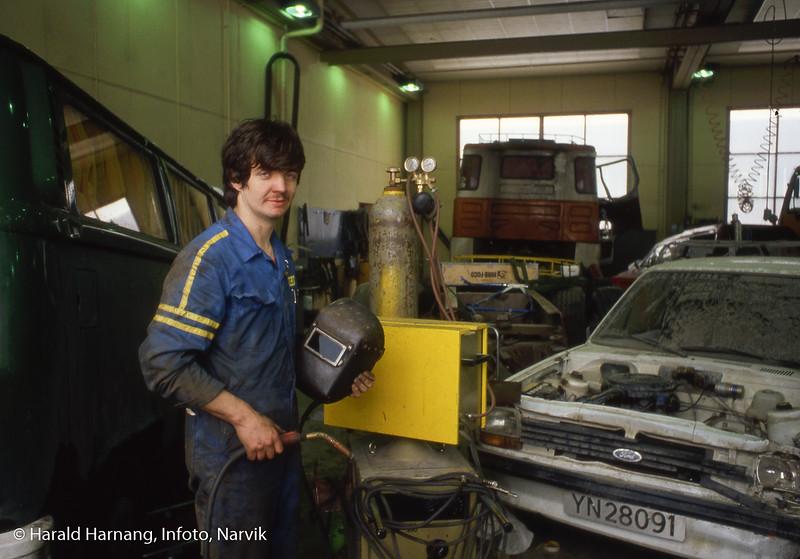 Nord-Norsk Diesel, verkstecd, ca 1980-81. Sveiser: Bjørn Kjeldsberg.