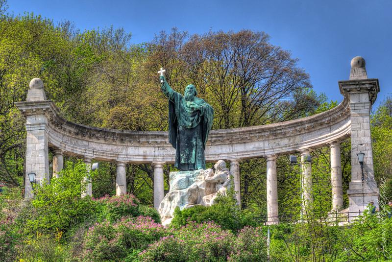 Gellert Monument