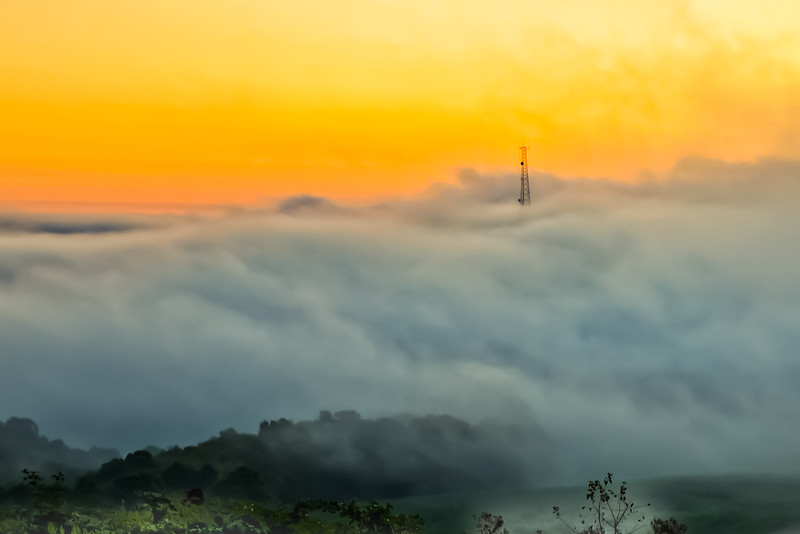DA111,DP,Sunrise above the fog.jpg.jpg