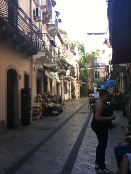 20110812-Ginka-Sicily-20110812--IMG_1106--0234.jpg