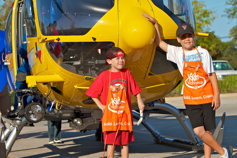 Kids Workshop at Home Depot - 2010-10-02 - IMG# 10-005200.jpg
