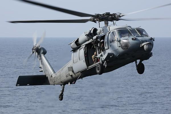 """US Navy MH-60S """"Knighthawk"""", Arabian Gulf, 01Nov18"""