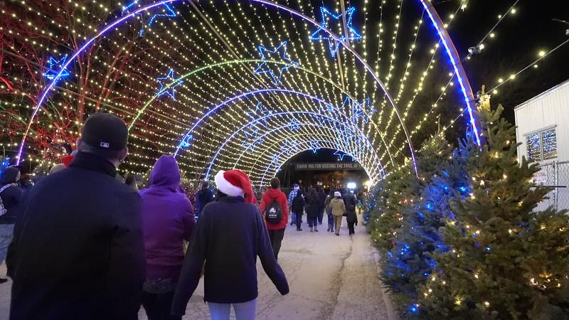 20181215_zilker-trail-of-lights_06.MP4