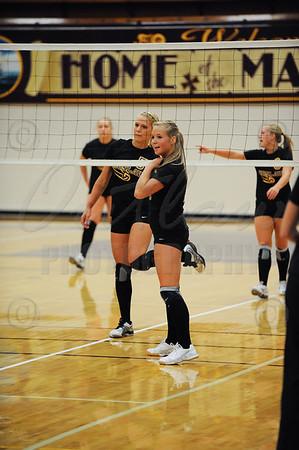 MHS vs Siuslaw - Varsity Volleyball - Sep 10, 2009