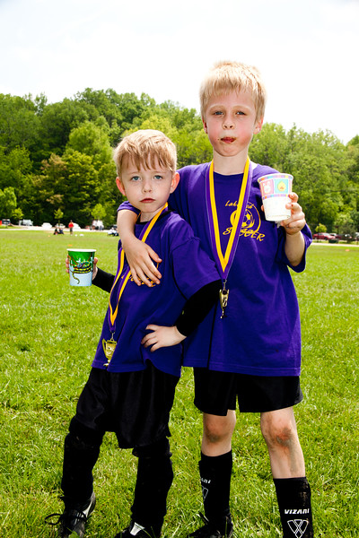 SOCCER kindergarden star pose boyz (1 of 1).jpg