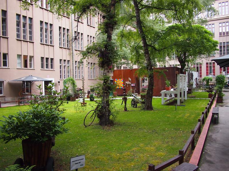 P8247919-courtyard.JPG
