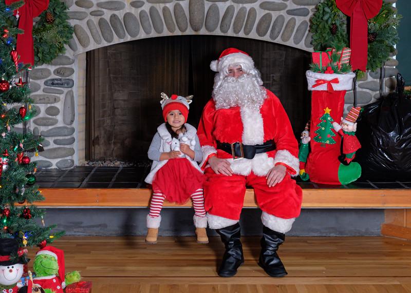 CB Santa 2019-7777.jpg