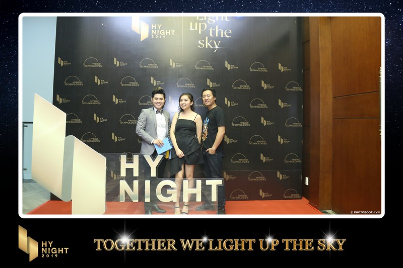 Buzz-Comm-Year-End-Party-instant-print-photo-booth-at-New-World-Saigon-Chup-hinh-lay-lien-Tat-nien-WefieBox-Photobooth-Vietnam-086.jpg
