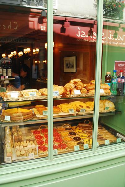 Shop window in Montmartre.