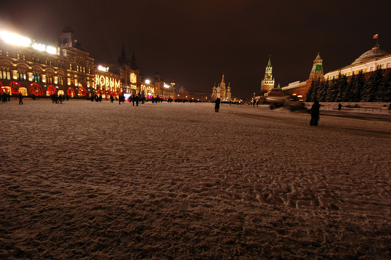 041231 2130 Russia - Moscow - New Years Eve - Pre-Celebration Red Square _P ~E ~L.JPG
