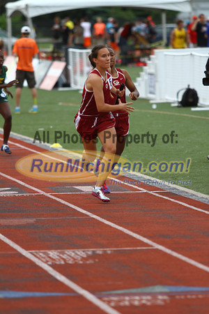 D1 Girls 4x400 Relay - 2013 MHSAA LP Track and Field