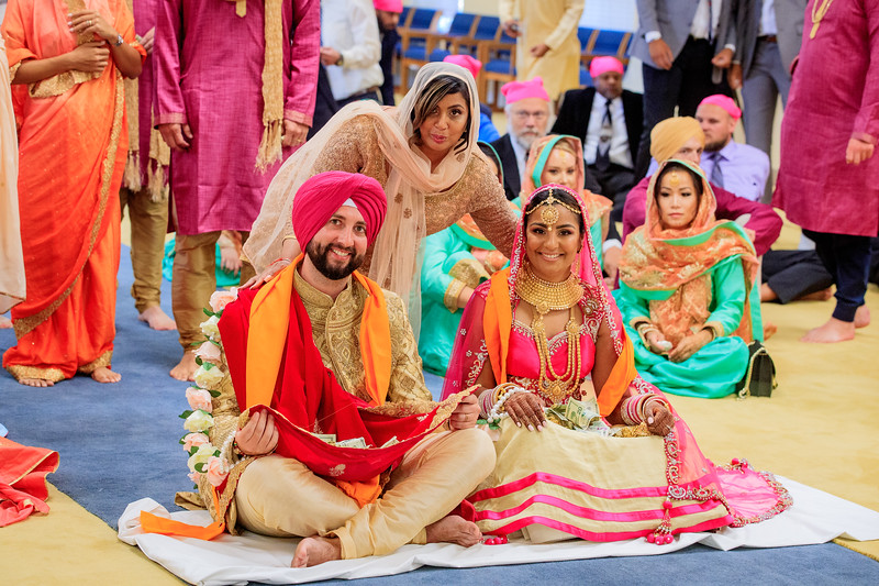 Neelam_and_Matt_Gurdwara_Wedding-1511.jpg