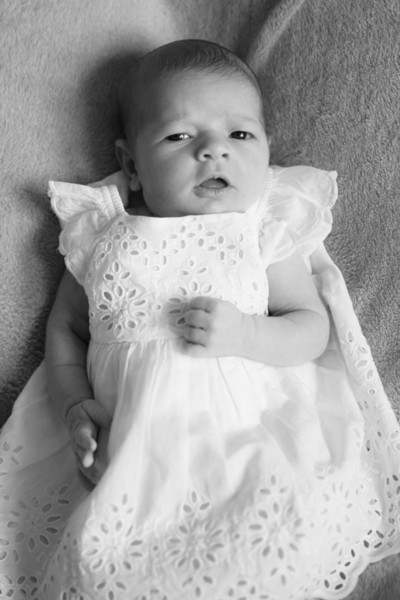 2014.03.30 Whitney Kronforst Newborn Photos B-W 20.jpg