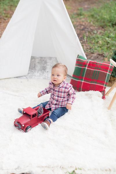 Holiday Minis- Acosta Family-25.jpg
