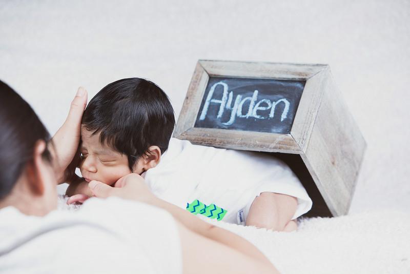 baby-ayden-new-born-portrait_0071.jpg