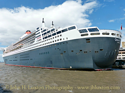 Queen Mary 2 at Liverpool - July 04, 2015