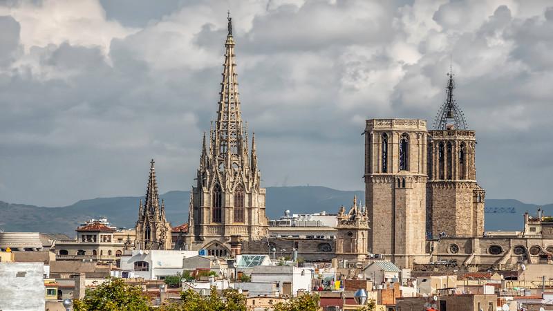 0099 Barcelona Basilica 16x9.jpg