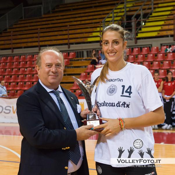 Lucia Crisanti premiata da Giuseppe Lomurno