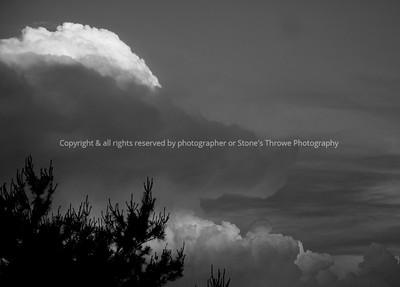 023-thunderstorm_cloud-warren_co-10jun08-bw-1225