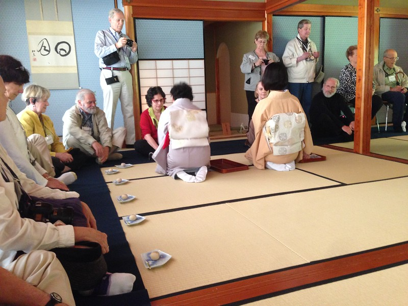 Kenroku-en tea ceremony, Kanazawa - Leslie Rowley S95
