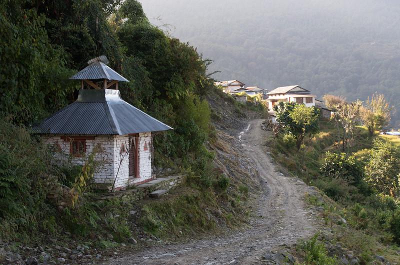 Trekking, Day Six:  Tolka to Phedi
