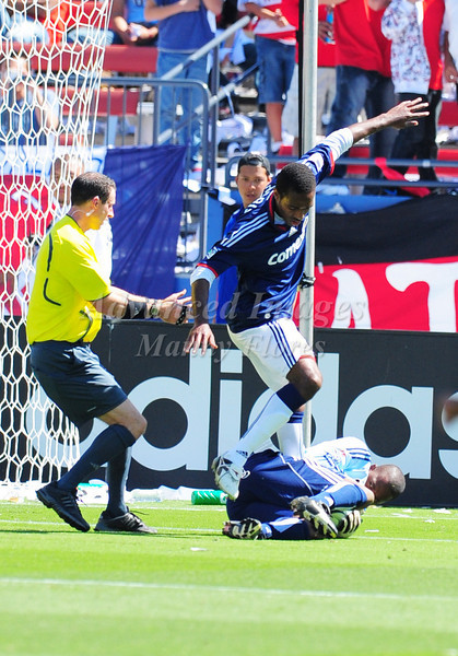 29, March 2009:  FC Dallas goalkeeper Ray Burse Jr. #30in action during the soccer game between FC Dallas & Chivas USA at the Pizza Hut Stadium in Frisco,TX. Chivas USA  beat FC Dallas 2-0.Manny Flores/Icon SMI