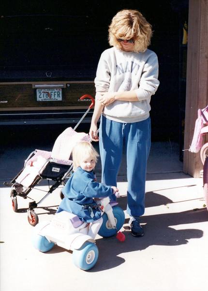 1989_Summer_Kiawah Pirates Cove Balloons_0003_a.jpg