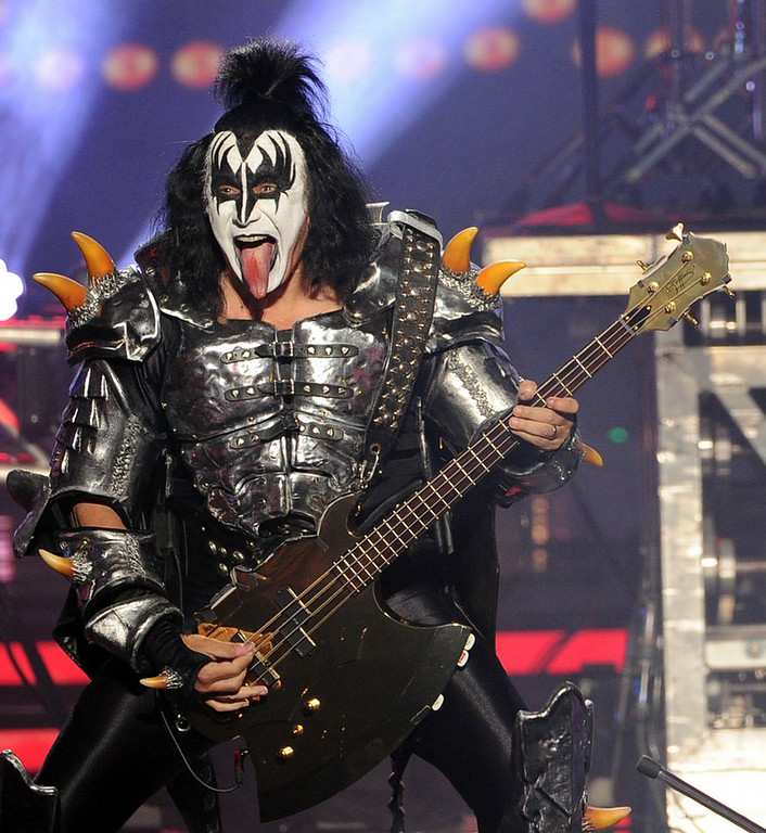 """. 3. (tie) GENE SIMMONS <p>Speaking of suicide � career suicide. (unranked) </p><p><b><a href=\""""http://www.dailymail.co.uk/news/article-2726251/Have-dignity-jump-Gene-Simmons-advises-people-suffering-depression-drug-addiction-commit-suicide.html\"""" target=\""""_blank\""""> LINK </a></b> </p><p>    (Kevin Winter/Getty Images)</p>"""