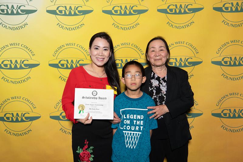 Scholarships-Awards-2019-0764.jpg