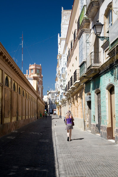 Urban scene with strong perspective, Cadiz, Spain