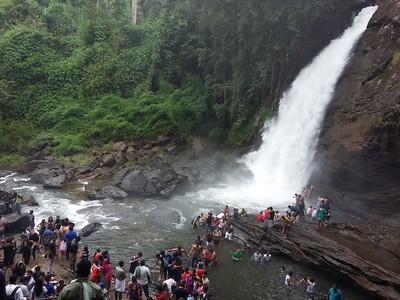 Soochipara Falls - Video 🔒