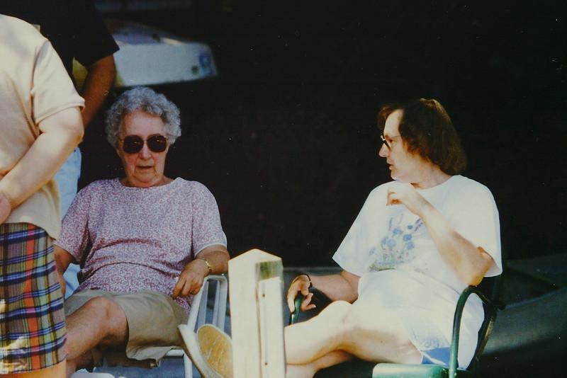 1996 Voor Reunion Sherman CT 007.jpg